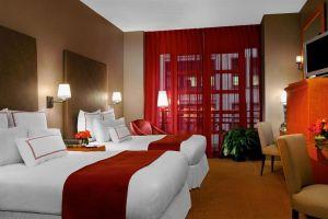 Hotel Giraffe