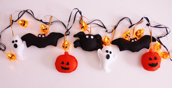 ButtonOwlBoutique Halloween lights