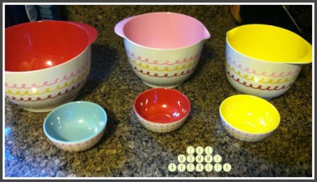 Cake boss mixing bowls