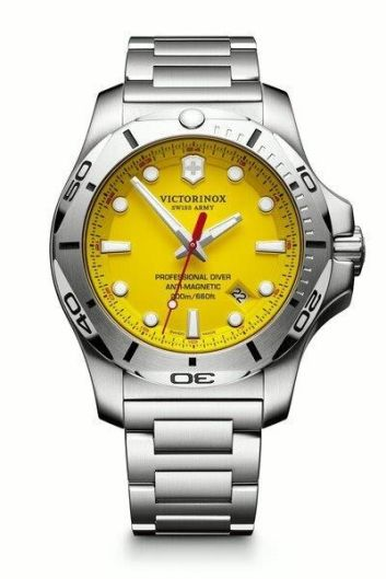 Victorinox_INOX Pro Diver Bracelet_241784.jpg